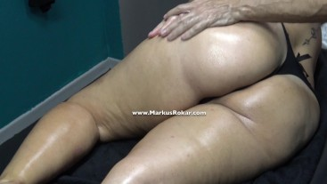 Mature Wife with Fat Ass Stuck on Massage Bed & Masseur Touch her Fat Pussy Lips Full Video