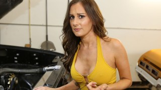 Roadside – Car Guru MILF Fucks Her Car Mechanic