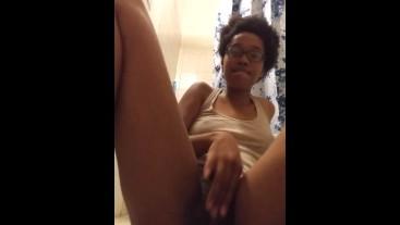 Rubbing my fat pussy