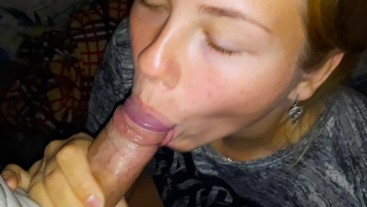 LUSTFUL TEEN LOVES TO DO BLOWJOB