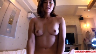 Brown skin amateur Japanese loves sex of doggy, cowgirl and blowjob after masturbates. Aki OSAKAPORN