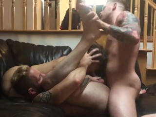 The SEXIEST Bisexual Threesome – Everyone Fucks Everybody