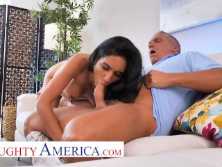 Naughty America – Tia Cyrus fucks with her big tits