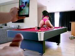 หนังโป๊ฝรั่ง จับเย็ดสาวหุ่นสวยตูดใหญ่บนโต๊ะพลู