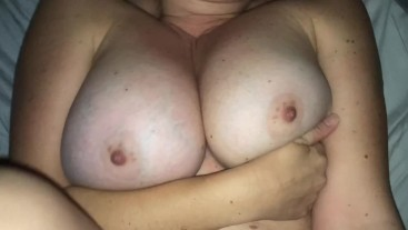 PAWG TEEN MOM TAKES A HUGE LOAD ON HER ROUND ASS!!!