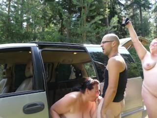 Blasen mit Tittenfick im Auto 1