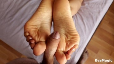 HELPED MY STEP BROTHER CUM - AMAZING FOOTJOB AND CUM ON SEXY SOLES