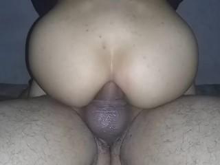 El mejor anal hecho por mi novia venezolana, el mejor anal riding, me saca la leche con su culo