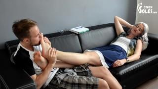 色情管 - 提供他不能拒绝的东西 脚崇拜 性感的脚 大脚 脚臭