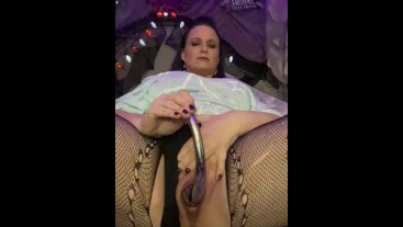 LAURA-SQUIRTS slow motion pussy play