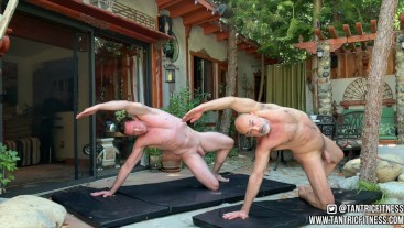 25 Minute Naked Pilates Workout with Pierce Paris!