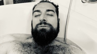 Big hairy and very horny Italian bearded daddy bear wanking in the foam bathtub and moaning a lot