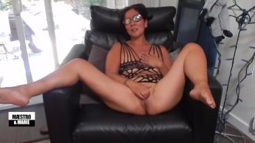 Hot Asian MILF masturbating and making herself cum