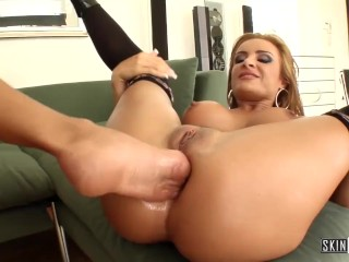 Lesbian Fisting! Squirting! Anal! And Foot Fucking! FULL FUCKING SCENE!