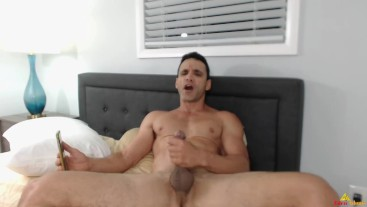 Hot Dude Cum Big in HIs Room While Streaming