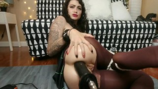 you left your gf tied up so she fucks her own ass