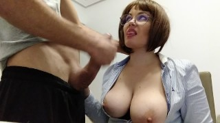 THE TEACHER WITH BIG NATURAL TITS MAKES THE MILK OF HER BEST STUDENT