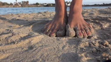 Beach Voyeur Cam Sandy Feet