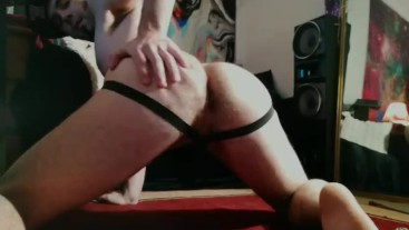 TWERK - Zak gets his ass out and works it