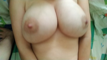 Sexy Mom Gets Spray From Her Young Lover
