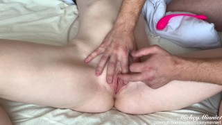 SHE CUMS! TEEN GETS THE BEST MASSAGE AND SQUIRT ORGASM OF HER LIFE - MickeyMinnie