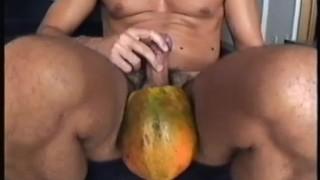 Porno Tubos - Straight Muscle Guys Mamão Verde Esmaga Cara Hetero Com Pernas Musculosas Esmaga Poderosas Coxas