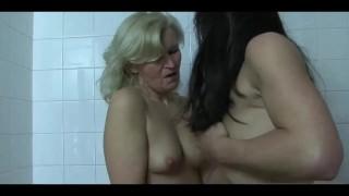 电影色情 - Xstream女同性恋化妆球撒尿-撒尿撒尿他妈的撒尿喝酒性爱