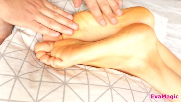 FUCK SEXY FEET AND CUM ON SOLES