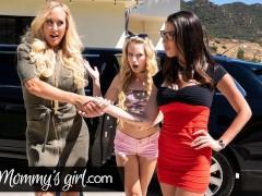 MommysGirl Hot MILF Brandi Love Enjoys A Threesome With Dava Foxx And Her Stepdaughter