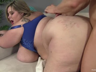 Fit guy slams his cock deep into a blonde BBW