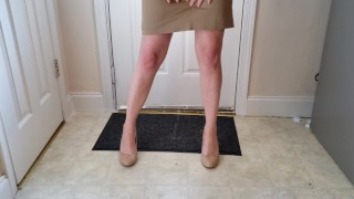 How to make a naughty entrance! Lots of pee in a tight skirt