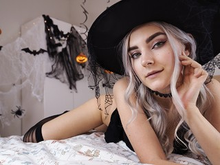 Cute horny witch gets facial and swallows cum – Eva Elfie