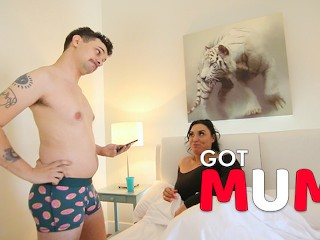 Got Mum – My Big Titted Step-Mom