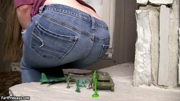 Giantess Kristi's Weapons of Ass Destruction - Fart Princess Kristi Destroys an Army with FARTS