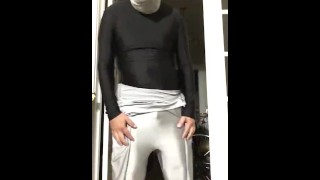 ポルノチューブ - 1つに2つのマスクと2つのスパンデックススーツを着る
