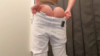视频色情免费 - 适合女孩试穿的修身牛仔裤,更衣室长裤