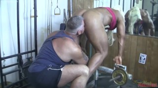 Female muscle legen Lisa Cross sucks and fucks her man