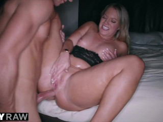 TUSHYRAW Curvaceous Candice gets her asshole stretched out