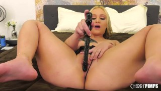 Petite Blonde Slut Gwen Vicious Twerks and Plays With Her Wet Pussy and Vibrator