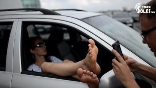 Videos porno - Voyeur De Pies En El Estacionamiento (Pies Grandes, Pies Eliška, Adoración