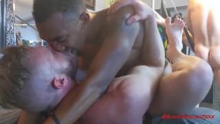 Hd gratuit Porno - Brian Bonds Grosse Bite Hardcore Fuck Fest À Vegas Partie 1