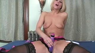 Cumming with Carissa jerk off lesson. Carissa Montgomery - Jerk Off Instructions