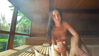 Guy fucked a strange girl in the sauna