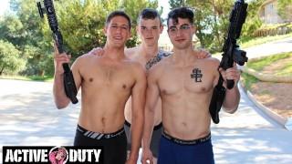 Vidéo porno gratuite - Activeduty Trois Jocks Militaires Chauds Baisent Comme Pas De Lendemain