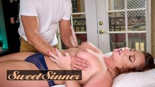 SweetSinner-已婚妇女Maddy OReilly让她的阴户受到按摩治疗师Ramon Noma的殴打