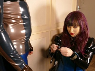 4K Miss Maskerade in Full Rubber Perform a Blowjob with her Silicone Female Mask and Latex Gloves 03