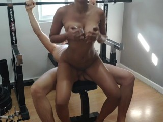 influencer instagramer young black perect body gym, giving sausage and fucking her after te exercice