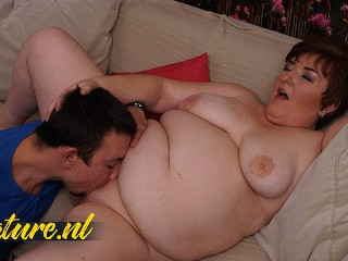Big Ass MILF MakesToyBoy To Eat Her Fat Pussy Out