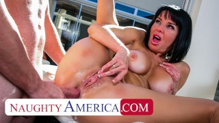 Naughty America – Veronica Avluv gets a wet juicy creampie