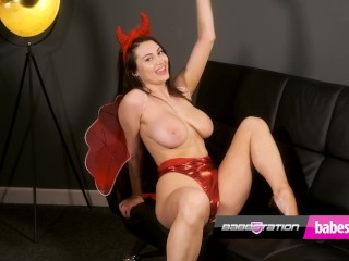 Sex devil Jamie Knight getting naked in heels